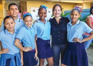 Rosibel Recondo connects with public Montessori students in Puerto Rico